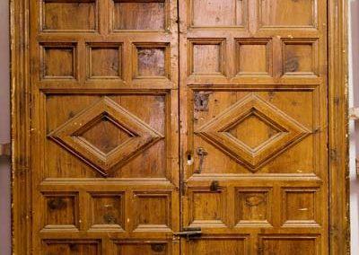 Puertas y ventanas antiguas