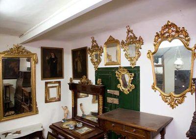 Conjunto de espejo y cornucopias