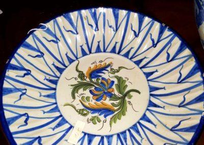 Plato antiguo de ceramica