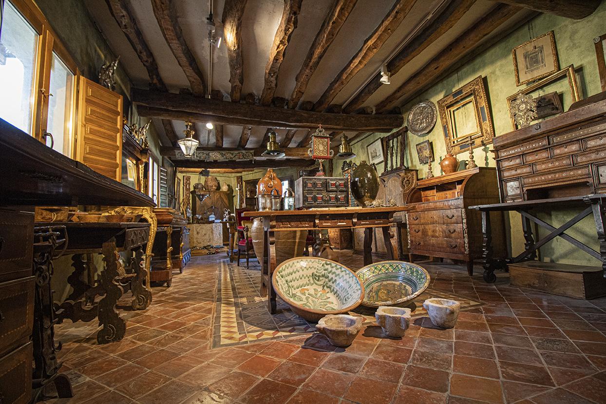 Tienda de antigüedades en Zaragoza