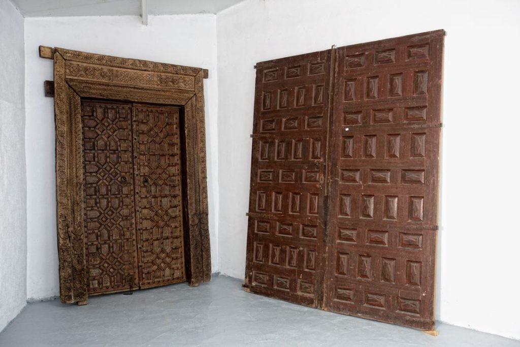 antigüedades en Zaragoza, puertas antiguas