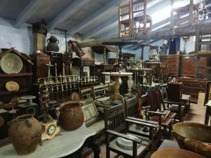 Outlet de la tienda de antigüedades en Zaragoza