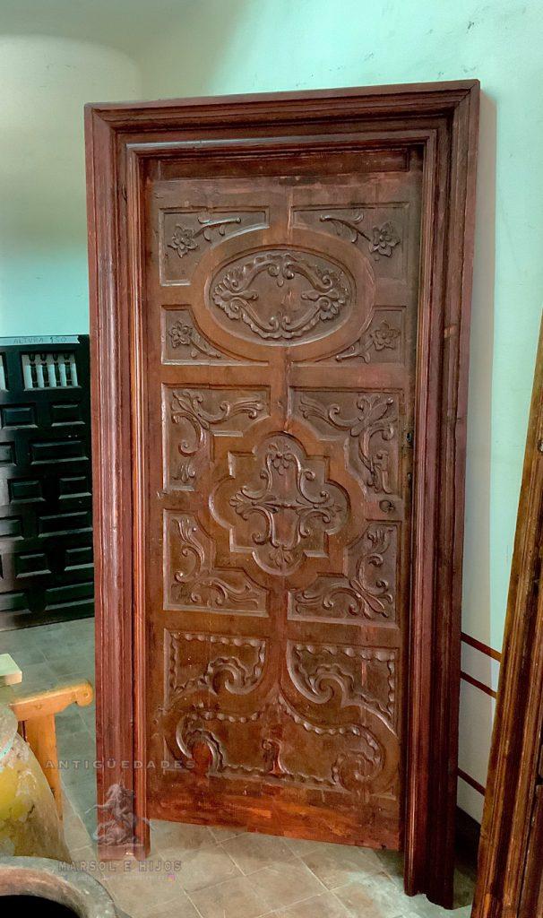 Puerta floreada del siglo XVII